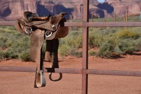cowboy-saddle-2345137_1920